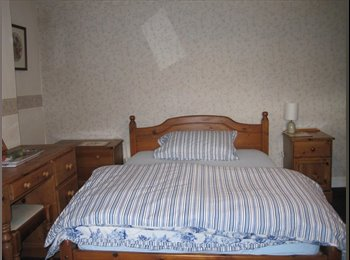 EasyRoommate UK - Mon to Fri only in large detached farmhouse - Wadshelf, Chesterfield - £400 pcm