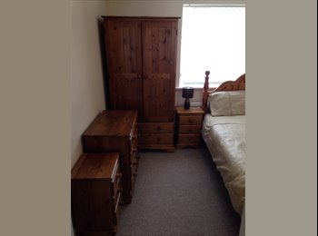 EasyRoommate UK - Comfy Bed Room to Rent - Willenhall, Walsall - £500 pcm