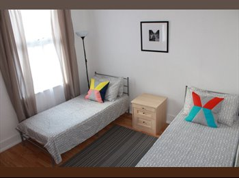 EasyRoommate UK - Large DOUBLE ROOM is available 2 min walk from East Ham underground station.  - East Ham, London - £670 pcm