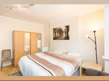 Big Twin/ Double room in 28/10/2015! Quite Area! P