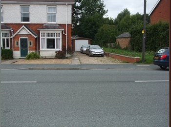 House share off road parking hig speed broad band