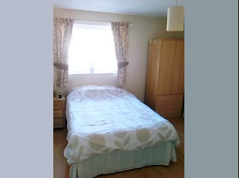 EasyRoommate UK - Large Double Room Great Transport Link - Old Swinford, Dudley - £370 pcm