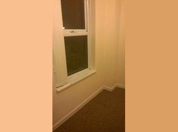 EasyRoommate UK - Room available in Hanley, Stoke on Trent - Stoke-on-Trent, Stoke-on-Trent - £280 pcm