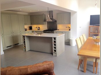EasyRoommate UK - Beautiful large house in Wightwick - Tettenhall, Wolverhampton - £400 pcm