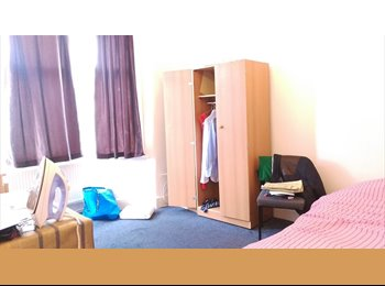 Large Double Room in Ilford