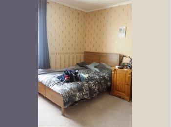 EasyRoommate UK - double furnished room - Gillingham, Gillingham - £400 pcm