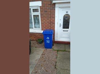 EasyRoommate UK - House to share  - Bucknall, Stoke-on-Trent - £280 pcm
