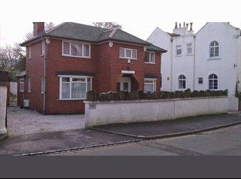 EasyRoommate UK - double room - Stoke-on-Trent, Stoke-on-Trent - £200 pcm