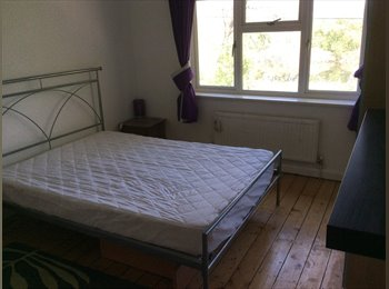 EasyRoommate UK - Furnished double room  - Latchford, Warrington - £400 pcm