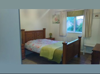 EasyRoommate UK - Spacious Double Rooms - Beoley, Redditch - £350 pcm