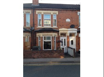 EasyRoommate UK - Large double room available near city centre.  - Claines, Worcester - £400 pcm