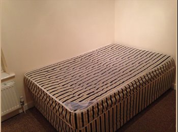 EasyRoommate UK - An Amazing room with Amazing people - Burley, Leeds - £389 pcm