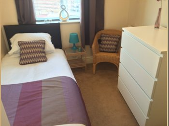 EasyRoommate UK - Lovely single room in Castleford - Castleford, Wakefield - £300 pcm