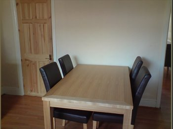 EasyRoommate UK - ROOMS TO RENT IN CASTLEFORD - Glasshoughton, Wakefield - £260 pcm