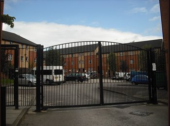 EasyRoommate UK - STUDENT ROOM NOTTINGHAM - ONE ROOM LEFT DUE TO SOMEONE DROPPING OUT - Nottingham, Nottingham - £299 pcm