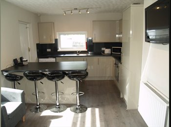 EasyRoommate UK - 2 ROOMS AVAILABLE FROM £90PW ALL BILLS INCLUDED - Plymouth, Plymouth - £390 pcm