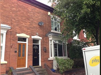 2 single rooms available near walsall town centre