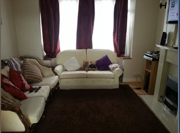 EasyRoommate UK - Double room to rent - Cheylesmore, Coventry - £380 pcm