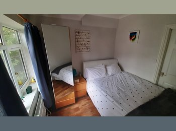 Large beautiful single room to let Kenton Northwick Pk...