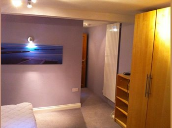 EasyRoommate UK - Private ensuite Annexe room in central Stratford - Stratford-upon-Avon, Stratford-upon-Avon - £650 pcm