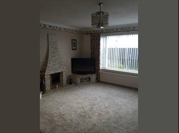 EasyRoommate UK - Lovely double room in westhill - Aberdeen, Aberdeen - £500 pcm