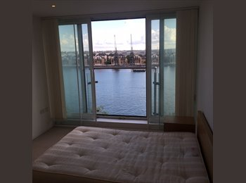 EasyRoommate UK - Private letting, stunning morden double room with direct Marina view and indepent bathroom in apartm - North Woolwich, London - £1,000 pcm