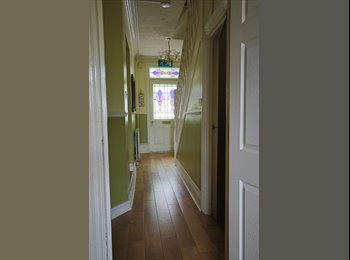 EasyRoommate UK - This Houseshare has been described as AWSOME - Luton, Luton - £440 pcm