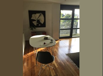 EasyRoommate UK - Luxurious double room available in Putney - Southfields, London - £1,100 pcm
