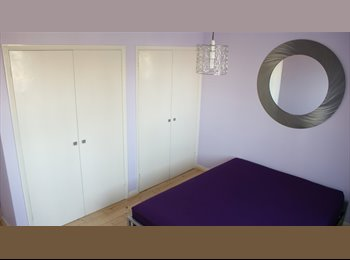 EasyRoommate UK - Ladies: make this room yours and feel at home! - Willesden, London - £715 pcm