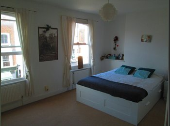 EasyRoommate UK - Big Room in Primrose Hill, available from the 1st Nov. - Camden, London - £1,160 pcm