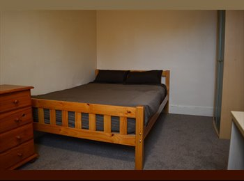 EasyRoommate UK - ** EXCELLENT FURNISHED ROOM** - Mackworth, Derby - £315 pcm