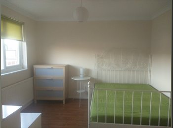 EasyRoommate UK - Double room - Vange, Basildon - £600 pcm