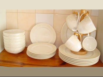 EasyRoommate UK - Double room for rent in Watford-125 GBP per week - South Oxhey, Watford - £125 pcm