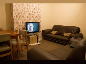 EasyRoommate UK - Large Double Room In A 5 Bed Student House - Bills included (21 Lune Street) - Lancaster, Lancaster - £82 pcm