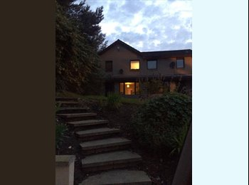 EasyRoommate UK - Double Room Available in All Girls House! - Old Aberdeen, Aberdeen - £425 pcm