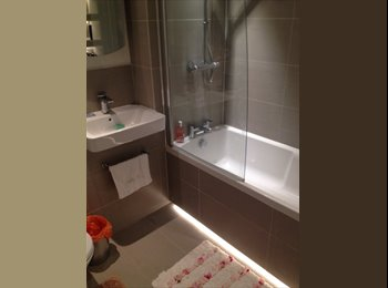 EasyRoommate UK - Double bedroom to rent in a newly refurbished flat - Willesden, London - £1,050 pcm