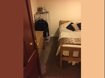 EasyRoommate UK - Double Room For Rent - Crumpsall, Manchester - £320 pcm