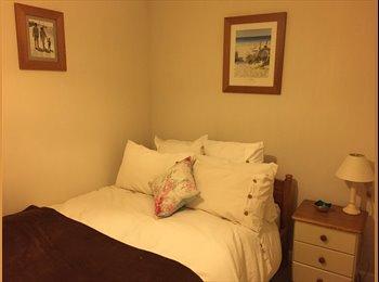 EasyRoommate UK - Double room available - Hamble-le-Rice, Southampton - £450 pcm
