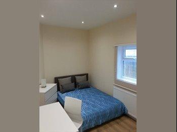 EasyRoommate UK - Friendly flatshare is looking for new flatmate  - Streatham, London - £750 pcm