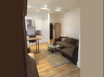 EasyRoommate UK - Double Room - High Ceilings. Large property 2 living rooms - Thornton Heath, London - £700 pcm