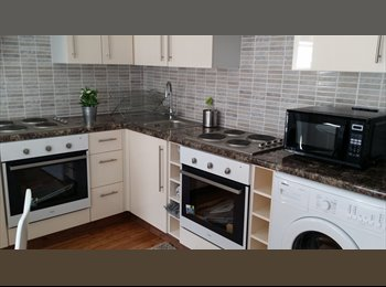 AMAZING LARGE SINGLE ROOM WITH DOUBLE BED JUST BY...
