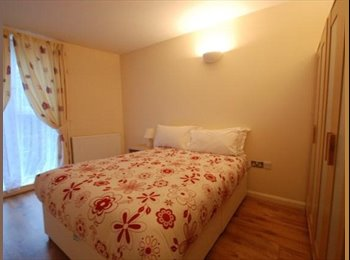 EasyRoommate UK - self contained studio flat - Hammersmith, London - £750 pcm