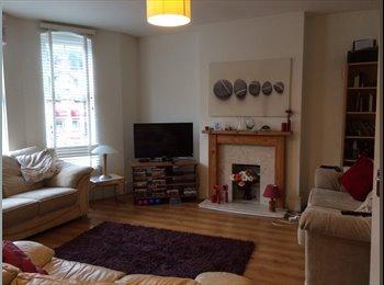 EasyRoommate UK - Northwood flat - Northwood, London - £475 pcm