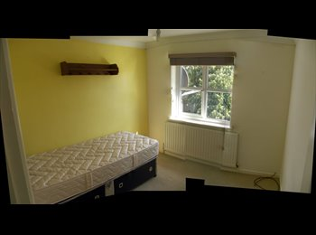 EasyRoommate UK - Single Room to rent in Boxted CO4 (near to Colchester) - Boxted, Colchester - £315 pcm