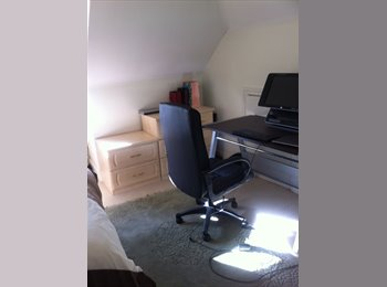 EasyRoommate UK - Lovely Clean Double Room - Northwood, London - £800 pcm