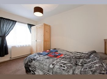 Lovely room conveniently located in West London