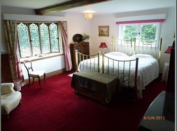EasyRoommate UK - Well furnished twin bedded room in beautiful Tudor house - Snitterfield, Stratford-upon-Avon - £500 pcm