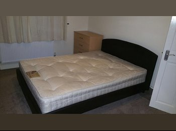 EasyRoommate UK - Double Room to rent - Hounslow, London - £550 pcm