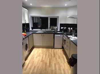 EasyRoommate UK - Double room available soon  - Finchley, London - £725 pcm