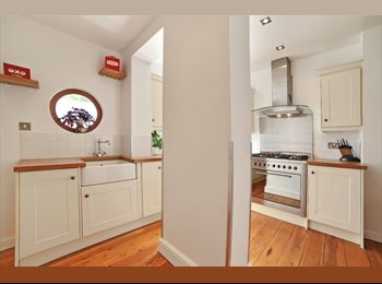 EasyRoommate UK - 1bed in a flat, suitable for anyone - West Kensington, London - £650 pcm